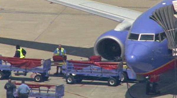 Possible bomb threat on Southwest Airlines flight at Hobby on Monday, Aug. 20, 2012