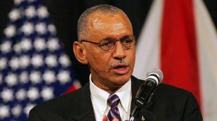 Charles Bolden addresses job cuts, NASA's future in JSC visit