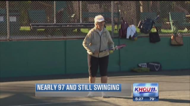 At 96, Jo Fort still serving aces