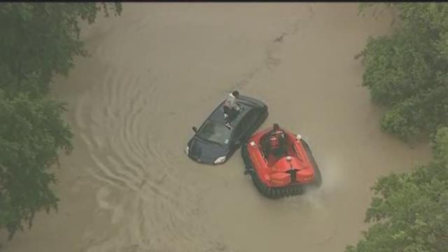 Raw video: Hovercraft used in Dallas water rescues