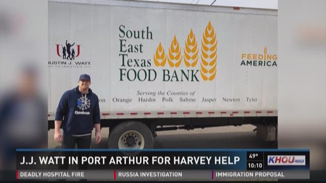Khou Texans Watt Visits Port Arthur To Help Hurricane Victims
