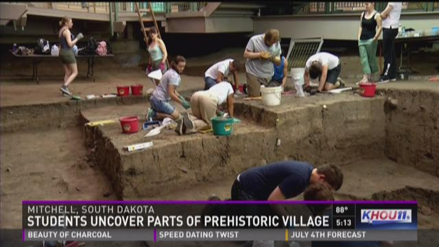 Students uncover parts of prehistoric village
