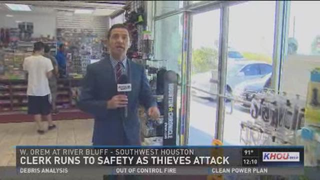 Crooks steal from store ATM - Karedes