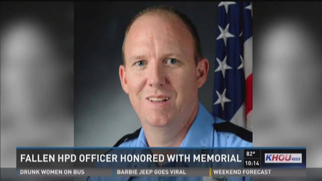 Fallen HPD officer honored with memorial