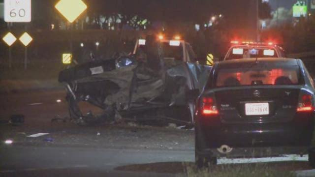 Raw: Rollover accident injures 3 along the Southwest Freeway