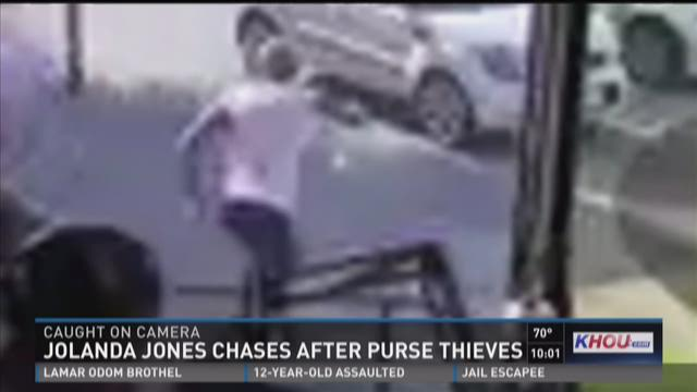 Former city council member chases down purse thieves